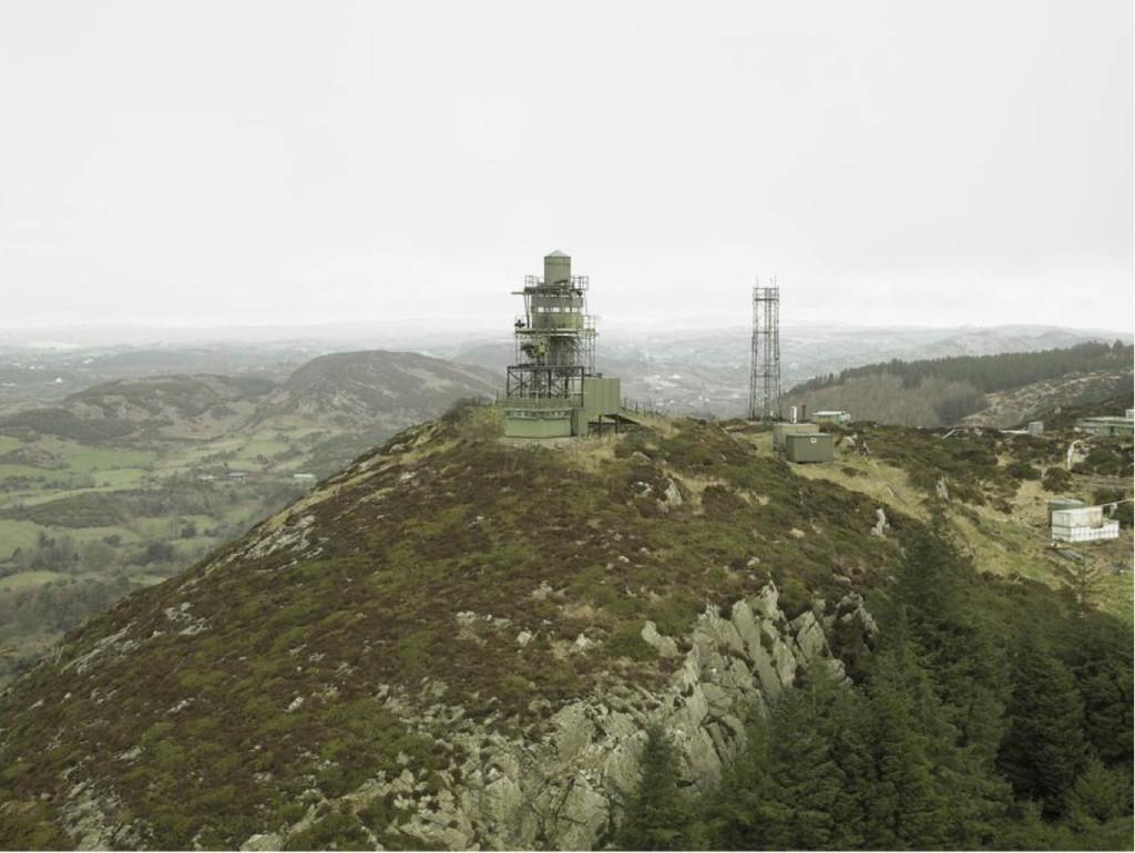 8.British watchtower-Donovan Wylie-2005