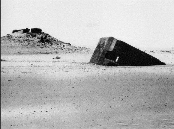 8.Bunker Archaeology-PaulVirilio-1975